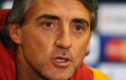 "Thua Chelsea ""phiên bản Mou"", Mancini dịu giọng khen ngợi"