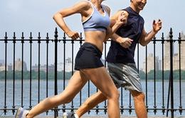 Nên hay không việc tập thể dục buổi trưa?