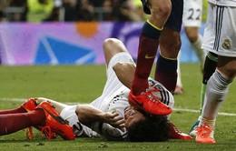 """Vì Pepe, Iker Casillas hứa cho Sergio Busquets """"ăn tát"""""""