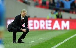 """Arsene Wenger phàn nàn vì bị nhà đài """"xử ép"""""""