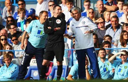 """Chelsea thất thế trong cuộc đua vô địch, Mourinho """"đổ tại"""" A.Madrid"""