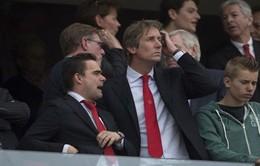 """""""Người nhện"""" Van der Sar trở lại Old Trafford, làm """"phó tướng"""" cho Van Gaal?"""