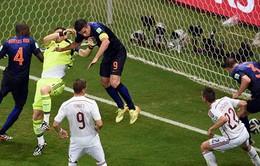 Tây Ban Nha 1-5 Hà Lan: Cơn lốc da cam nuốt chửng nhà vô địch