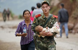 Khung cảnh tang thương sau thảm họa động đất tại Vân Nam, Trung Quốc