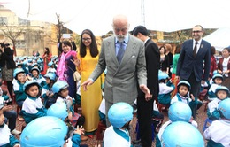 """Hoàng tử xứ Kent phát động dự án """"Mũ bảo hiểm cho trẻ em"""""""