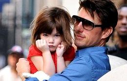 Tom Cruise không ngó ngàng tới bé Suri suốt hơn 100 ngày?