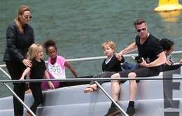 Jolie – Pitt thuê du thuyền hạng sang đưa con đi chơi