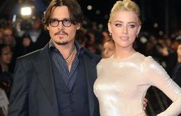 """Amber Heard dùng chiêu gì để """"trói chặt"""" Johnny Depp?"""