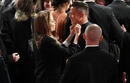 Jolie – Pitt diện đồ đôi lên thảm đỏ