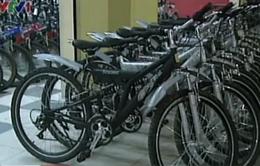 """Xe đạp Việt yếu thế trước """"cơn bão"""" xe ngoại"""