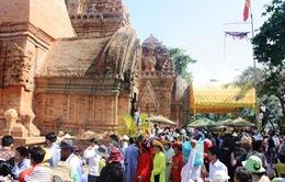 Khai mạc lễ hội Tháp Bà Panogar
