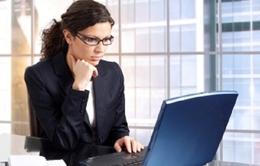 Sử dụng máy tính kéo dài dễ bị khô mắt