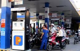 Tạm thời giữ nguyên giá bán xăng dầu