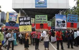 Hãng sữa Fonterra tiếp tục gặp bê bối ở Sri Lanka