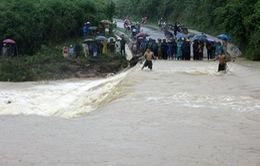 Mưa lớn gây thiệt hại về người và tài sản tại Nghệ An