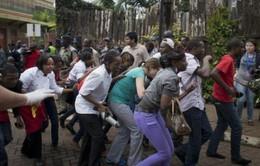 Kenya: Nhiều con tin vẫn bị bắt giữ tại trung tâm thương mại