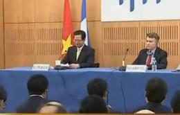 Thủ tướng Nguyễn Tấn Dũng đối thoại tại Viện Quan hệ Quốc tế Pháp