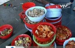 Phát hiện cơ sở tái chế kẹo hết hạn sử dụng
