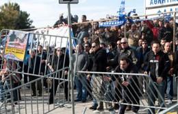 Bộ ba chủ nợ tạm ngừng đàm phán với Hy Lạp