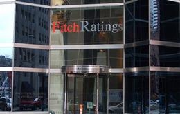 Fitch đe dọa hạ bậc xếp hạng của Mỹ