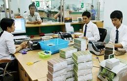 Khuyến khích tổ chức nước ngoài mua cổ phần ngân hàng yếu kém