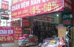 Rét muộn, chăn ga gối đệm giảm giá 60% vẫn ế khách