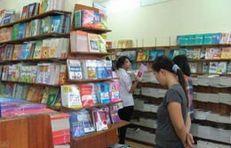 Nghiêm khắc chấn chỉnh dạy thêm, sử dụng sách tham khảo sai quy định
