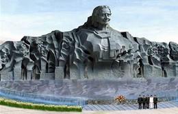 Chủ tịch nước Trương Tấn Sang kiểm tra dự án Tượng đài Mẹ Việt Nam anh hùng
