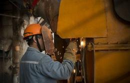 Chỉ số sản xuất sơ bộ Trung Quốc bất ngờ giảm mạnh