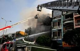 Đà Nẵng: Hơn 100 chiến sĩ tham gia chữa cháy ngôi nhà 4 tầng