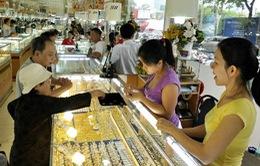 Nhộn nhịp mua vàng cầu may ngày Thần Tài