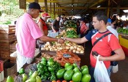 Cuba tạo điều kiện cho nhân dân mua hàng hóa