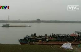 Khai thác cát lậu tạm thời được kiểm soát sau phóng sự của VTV