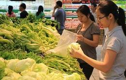 """""""Bát nháo"""" sản phẩm rau xanh vào siêu thị"""