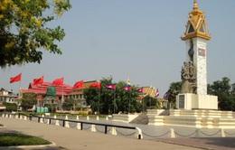 Viếng các liệt sỹ quân tình nguyện Việt Nam tại Campuchia