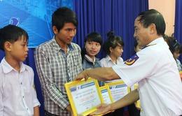 Quảng Nam: Trao 160 suất học bổng cho con em cảnh sát biển và ngư dân
