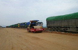 Phó Thủ tướng Nguyễn Xuân Phúc khen lực lượng xử lý đối tượng bảo kê xe quá tải