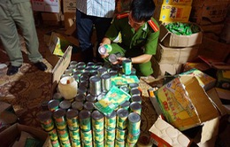 """Hà Nội: Thu giữ 700 tuýp mù tạt nhãn hiệu Wasabi """"ruột"""" Trung Quốc"""