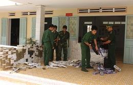 Bộ đội biên phòng Tây Ninh bắt gần 12.000 gói thuốc lá ngoại nhập lậu