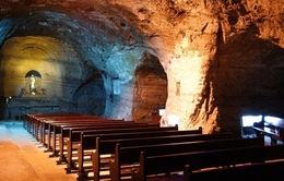 Nhà thờ Công giáo ở độ sâu 200m dưới lòng đất