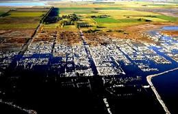 """Thăm """"thành phố ma"""" chìm dưới nước 25 năm"""