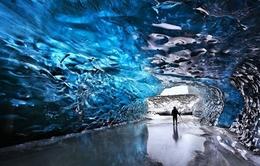 Kỳ ảo vẻ đẹp hang động băng ở Skaftafell, Iceland