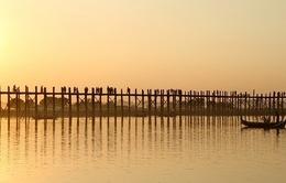 Dạo bước trên cây cầu gỗ dài nhất Myanmar