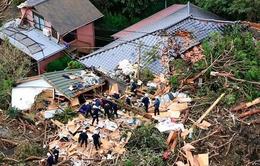 Chùm ảnh: Siêu bão Wipha tàn phá Tokyo