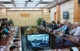 Phó TGĐ Nguyễn Thị Thu Hiền tiếp xã giao đặc phái viên của Tổng thống Nga
