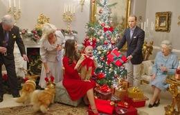 Khám phá Giáng sinh đầu tiên của Hoàng tử bé nhà William - Kate