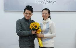 Trò chuyện trực tuyến với ca sĩ Tùng Dương