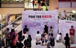 """Người dân Kuala Lumpur dựng """"bức tường cầu nguyện"""" cho máy bay MH370"""