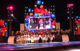 Thưởng thức giọng hát tuyệt vời của con gái út nhà Mỹ Linh - Anh Quân