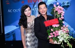 Trương Ngọc Ánh gửi hoa mừng lễ ra mắt phim của chồng cũ